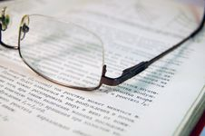 Free Glasses On Book Stock Photography - 18835642