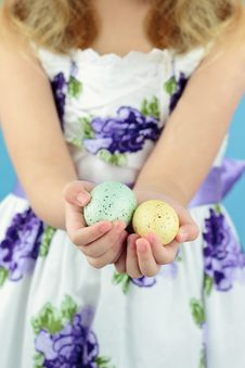 Free Holding Easter Eggs Stock Photography - 18836652
