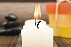 Free Soap Candles And Towels In A Spa Royalty Free Stock Photography - 18846747