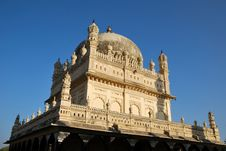 Free Mausoleum Of Tipu Sultan Royalty Free Stock Image - 18848596