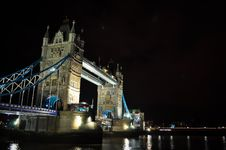 Free Tower Bridge Royalty Free Stock Photography - 18849387