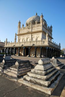 Free The Mausoleum Of Tipu Sultan Royalty Free Stock Photos - 18849538