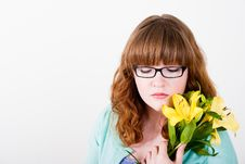 Free Redhead Teen Holding Yellow Flowers Royalty Free Stock Image - 18854796