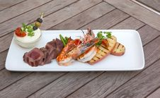 Free Seafood And Meat In One Plate Royalty Free Stock Photos - 18855948