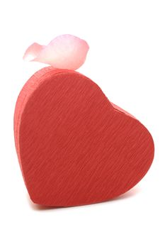 Free Red Heart-shaped Gift Box With Rose Petal Royalty Free Stock Photography - 18858547