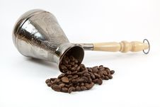Free Coffee Maker With Coffee Beans Royalty Free Stock Photo - 18862015