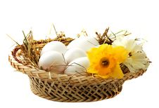 Free Eggs In A Wicker Basket Royalty Free Stock Images - 18866909