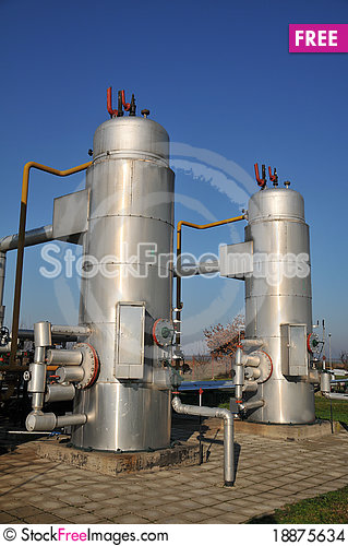 Free Oil Tanks And Pipes Stock Images - 18875634