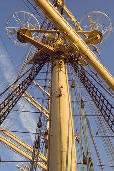 Free Mast Of A Tall Ship Royalty Free Stock Images - 18870629