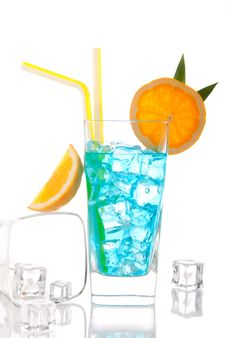 Free Blue Hawaiian  Lagoon Curacao Cocktail Royalty Free Stock Image - 18870656