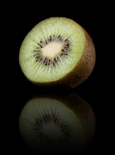 Free Kiwi On Black Royalty Free Stock Photos - 18870998
