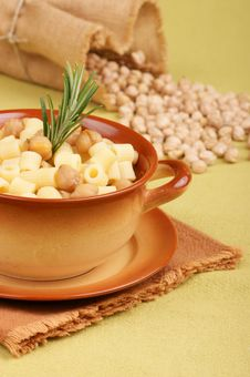 Pasta With Chickpea Royalty Free Stock Images