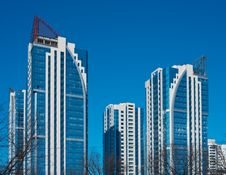 Free Modern High-rise Apartment Building Royalty Free Stock Photos - 18879028