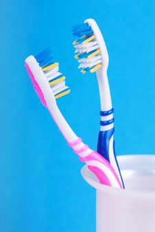 Free Toothbrushes Stock Images - 18882084