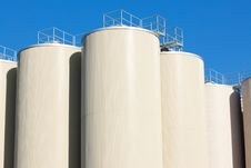 Free Refinery Oil Storage Tanks And Blue Sky Royalty Free Stock Photo - 18885695