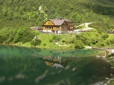 Free Cottage At Zelené Pleso Stock Images - 18885794