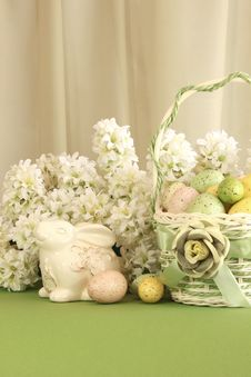 Free Easter Egg Basket With Bunny Stock Images - 18889424