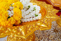 Free Jasmine Garland On Gold Plate Royalty Free Stock Photos - 18893668