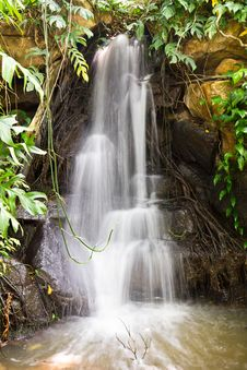 Free Small Waterfall Royalty Free Stock Image - 18893166