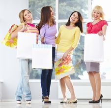 Free Happy Young Adults With Shopping Bags Stock Image - 18893671