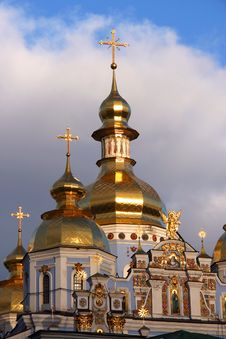 Free Michael S Golden Domed Monastery Royalty Free Stock Images - 18898509
