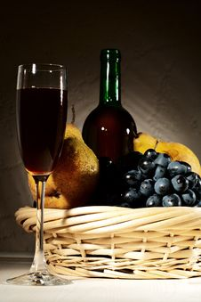 Free Still Life With Red Wine And Fruits Royalty Free Stock Images - 18898669