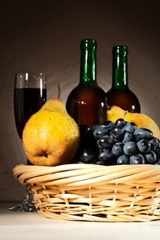 Free Still Life With Red Wine And Fruits Royalty Free Stock Photography - 18898677