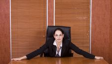 Free Business Woman Holding Table Royalty Free Stock Photos - 1895068