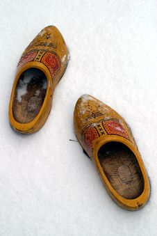 Free Dutch Wooden Shoes In The Snow Royalty Free Stock Images - 1898689