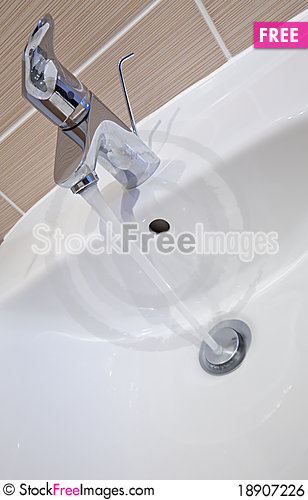 Free Bathroom Tap Royalty Free Stock Image - 18907226