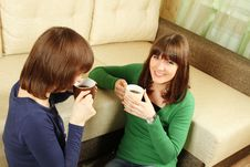 Free Smiling Girls Have Tea Royalty Free Stock Images - 18900819
