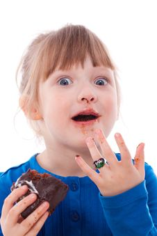 Free Surprised Hungry Girl Dirty With Chocolate Cake Royalty Free Stock Images - 18911819