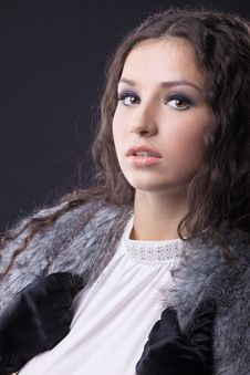 Free Young Sensual Girl Close-up Portrait In Fur Coat Royalty Free Stock Photo - 18912655