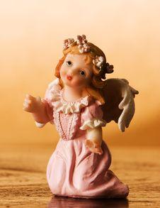 Free Kneeling Angel Royalty Free Stock Photo - 18913095
