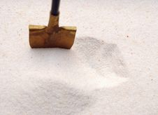 Free Shovel In A Sand Royalty Free Stock Photo - 18914305