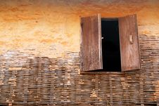 Free Window On Wall Old Royalty Free Stock Photography - 18917767