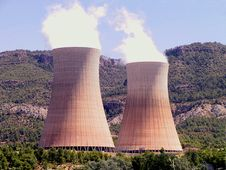 Free Nuclear Power Plant In Operation Royalty Free Stock Photography - 18925987