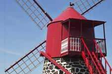 Free Red Windmill Royalty Free Stock Photography - 18926067