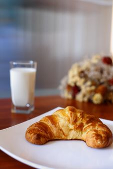 Appetizing Croissant Royalty Free Stock Photos