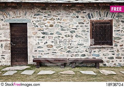 Free Mountain Refuge - Italy - Dolomiti Mountains Stock Images - 18938704
