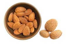Free Almonds In The Clay Bowl Royalty Free Stock Photos - 18930118