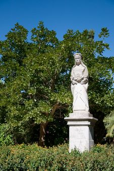 Free Virgin Mary In The Genoves Park Royalty Free Stock Image - 18943006