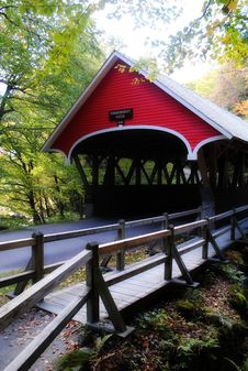 Free The Red Bridge Stock Photography - 18945172