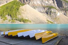 Free Canoes Royalty Free Stock Photos - 18946658