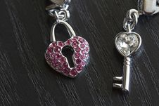 Free The Key To The Heart Royalty Free Stock Image - 18956736