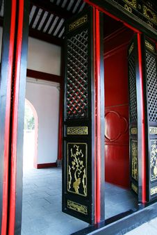 Free Chinese Gate Royalty Free Stock Photography - 18959537