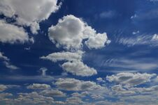 Free Clouds In The Blue Sky Stock Images - 189515184