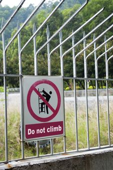 Free Do Not Climb Royalty Free Stock Photo - 18962045