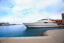 Free Luxury Yachts At El Gouna Royalty Free Stock Photo - 18962195