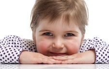 Free Little Girl Is Siting Royalty Free Stock Images - 18962689